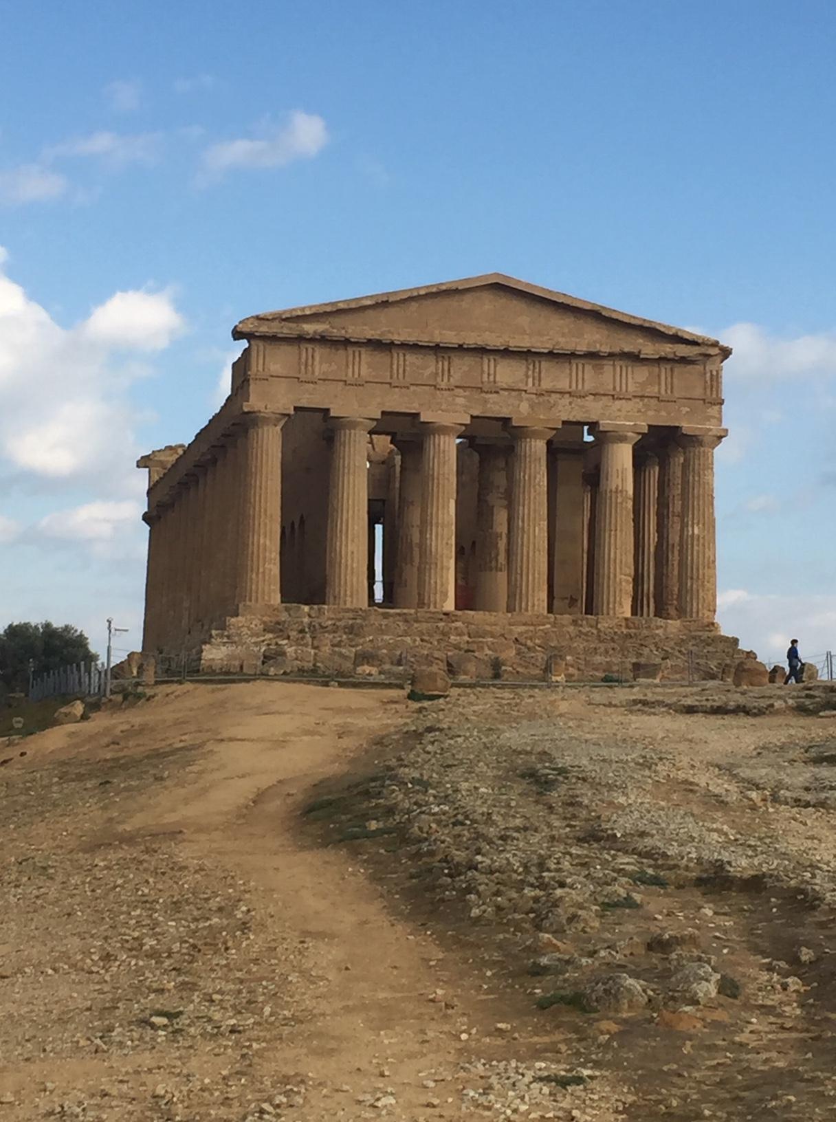 Agrigento temple 3.JPG